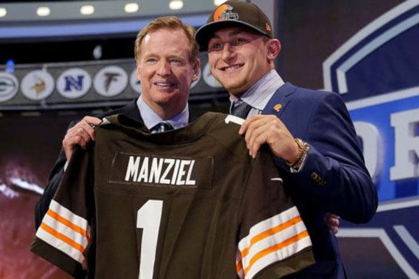 La star médiatique de la Draft 2014, le QB Johnny Manziel, drafté par Cleveland