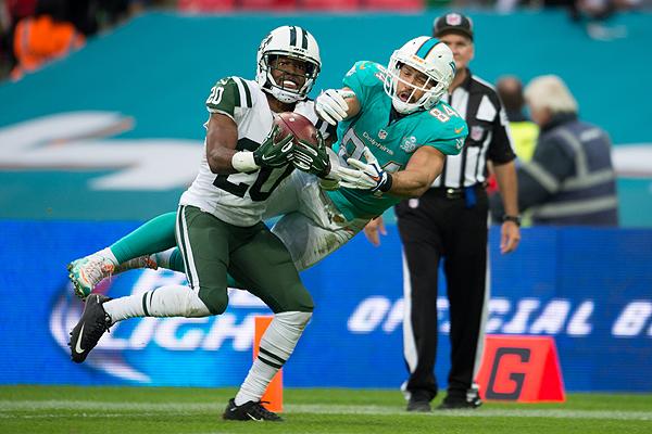Marcus Williams domine Jordan Cameron pour tuer le match en faveur des Jets.