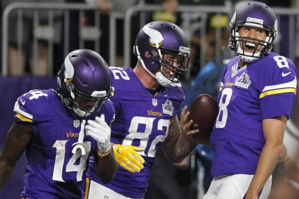 Sam Bradford s'est bien marré pour ses débuts avec les Vikings.