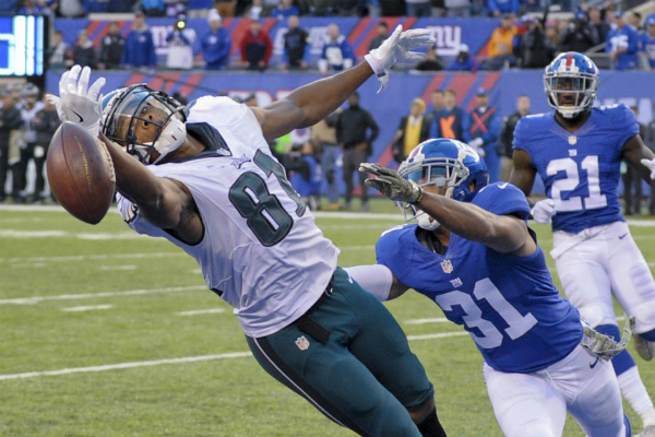 Jordan Matthews manque le catch du hold-up.