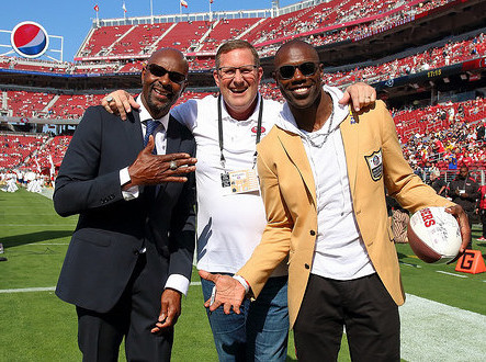 Jerry Rice et Terrell Owens autour de Brent Jones