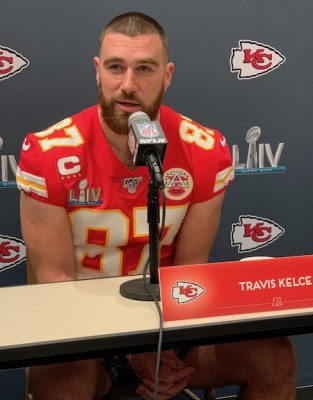 Travis Kelce (TE - Chiefs) en conférence de press avant le Super Bowl LIV