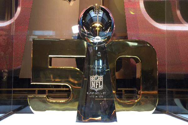 Le trophée Vince Lombardi à NFL Experience