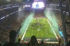 Pluie de confettis pour les Eagles ! Ils sont champions au terme d'une rencontre fantastique.